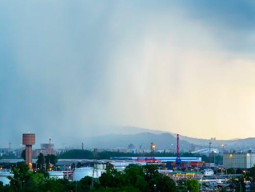 Základová fotografie zdarma na téma Budapešť, budova, déšť