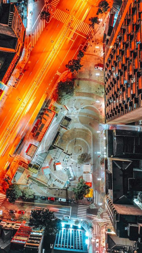 Бесплатное стоковое фото с асфальт, вертикальный, вечер, вид с квадрокоптера