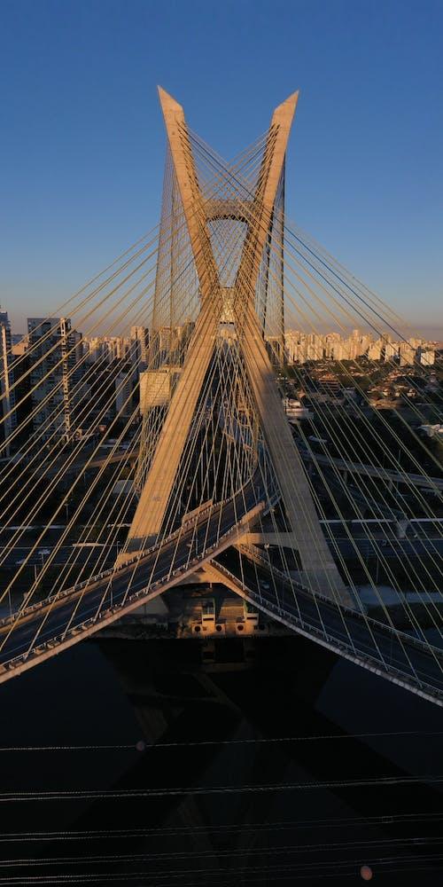 交通系統, 吊橋, 地標, 城市 的 免費圖庫相片
