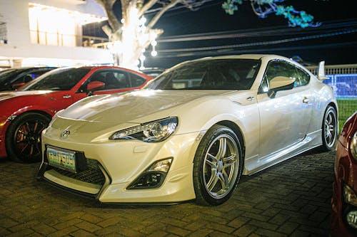 Ingyenes stockfotó autó, autóipar, autózás, bemutatóterem témában