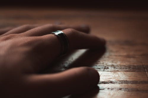 Free stock photo of finger, finger with ring, hand