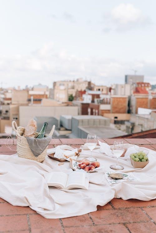 Kostnadsfri bild av arkitektur, bord, bröd, bröllop