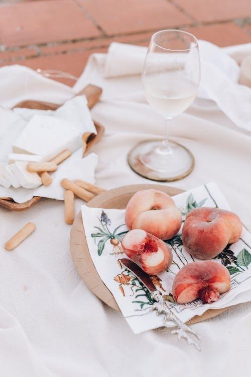 Kostnadsfri bild av bord, bröd, filt, frukost