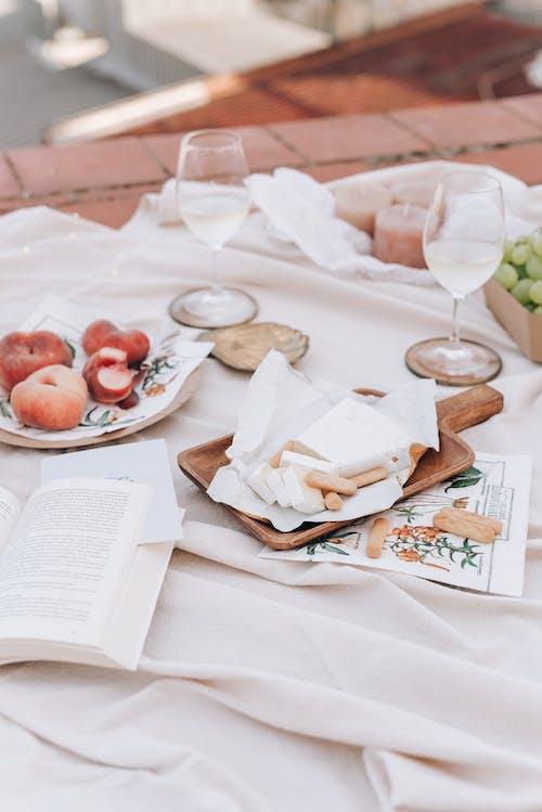 akşam yemeği, Aşk, battaniye, bıçak içeren Ücretsiz stok fotoğraf
