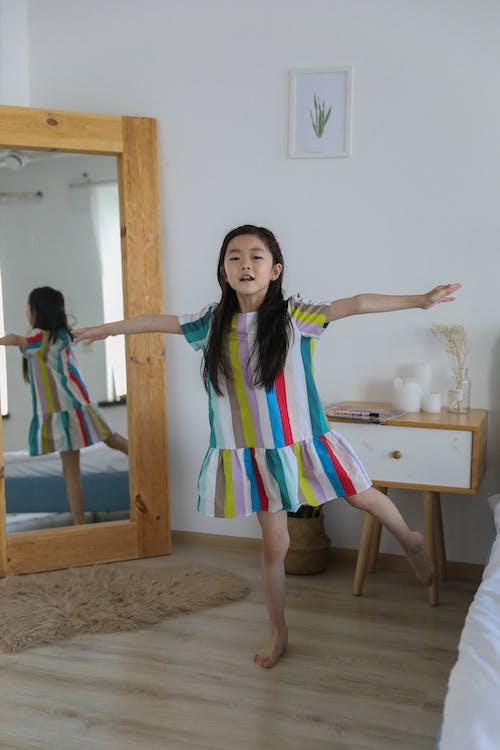 Darmowe zdjęcie z galerii z aktywny, apartament, azjatycka dziewczyna, całe ciało