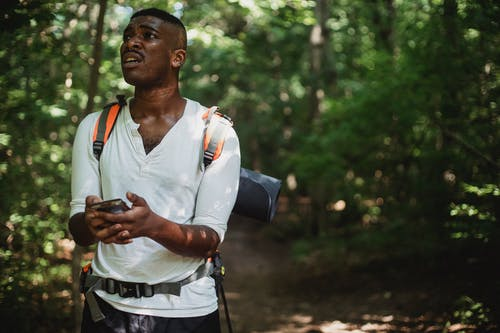 Black man got lost with smartphone in forest