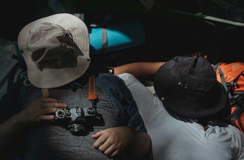 うそ, カジュアル, カバーフェイス, カメラの無料の写真素材