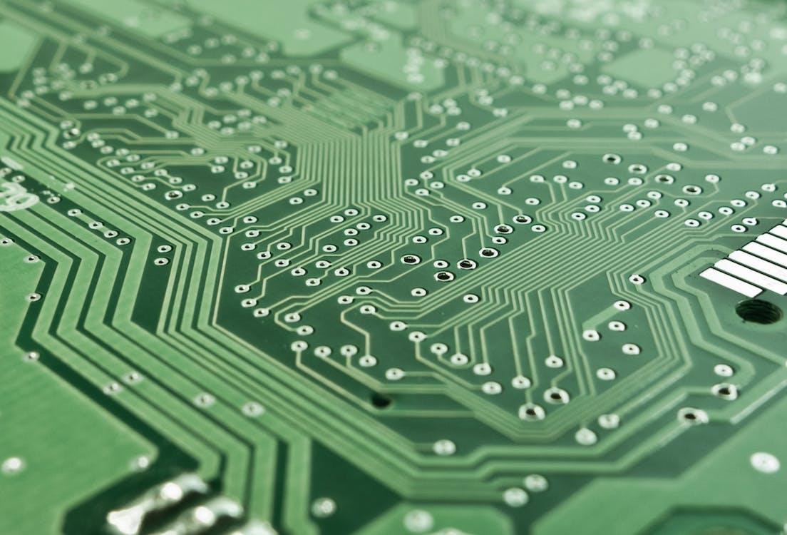 https://images.pexels.com/photos/50711/board-electronics-computer-data-processing-50711.jpeg?w=1260&h=750&auto=compress&cs=tinysrgb