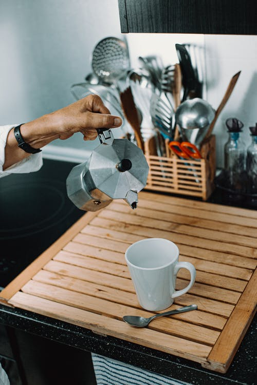 Foto profissional grátis de adulto, alimento, atendimento, café