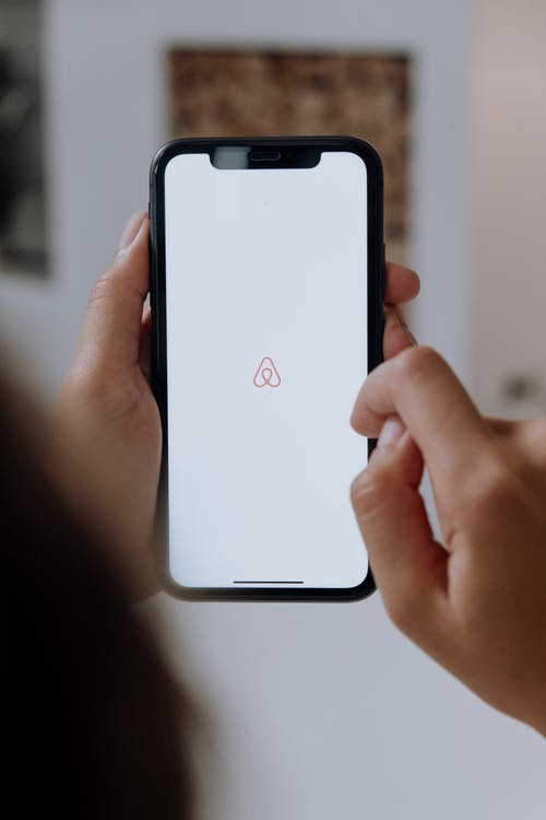 Gratis stockfoto met airbnb, anoniem, apparaatje