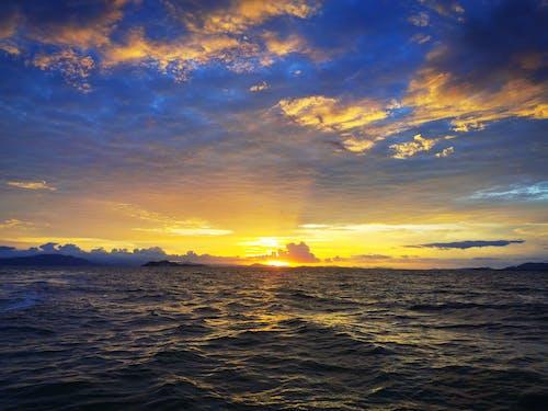 Δωρεάν στοκ φωτογραφιών με γαλάζιος ουρανός, δύση του ηλίου, ηλιοβασίλεμα