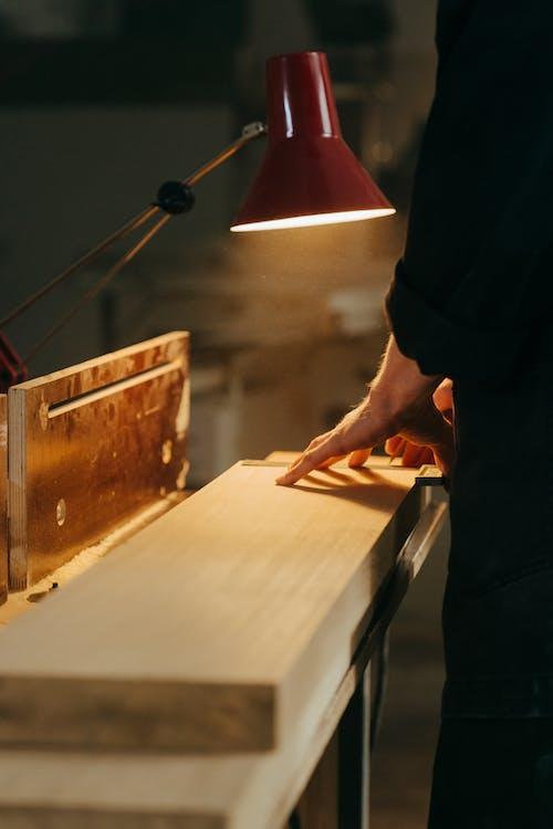 Foto d'estoc gratuïta de artesà, artesania, banc de treball