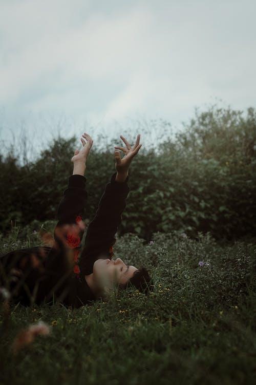 Základová fotografie zdarma na téma bezstarostný, dítě, dospělý, holka
