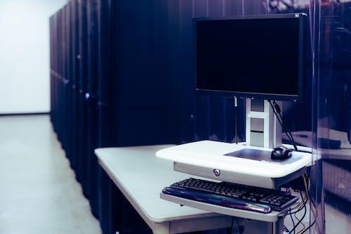 Ilmainen kuvapankkikuva tunnisteilla datakeskus, datapalvelin, monitori
