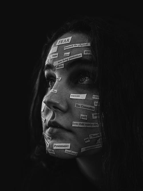 Бесплатное стоковое фото с вырезы для бумаги, женщина, красивая