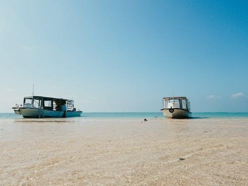 Бесплатное стоковое фото с вода, лето, лодка