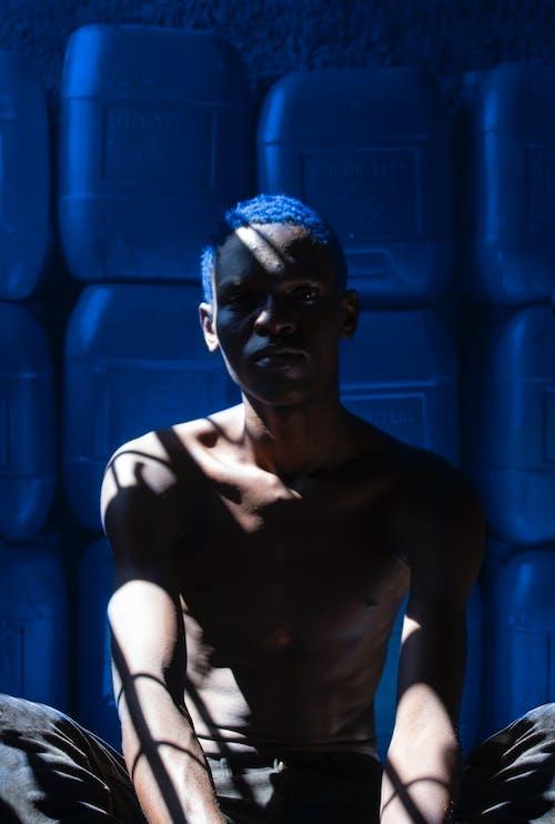 Kostnadsfri bild av afrikansk pojke, blå, gata, idrottare