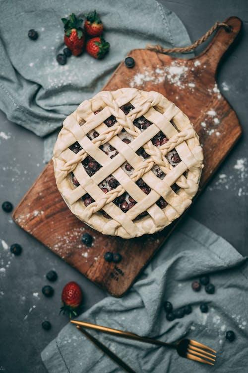 Безкоштовне стокове фото на тему «веган, випічка, вишневий пиріг, десерт»