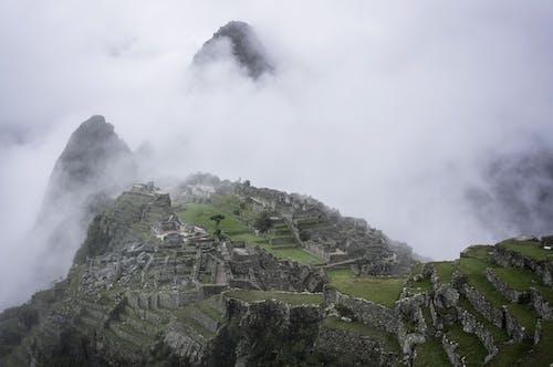 Ingyenes stockfotó felülről, festői, hegy, köd témában