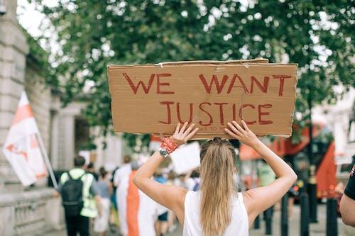 Darmowe zdjęcie z galerii z akcja, demonstracja, dorosły, droga
