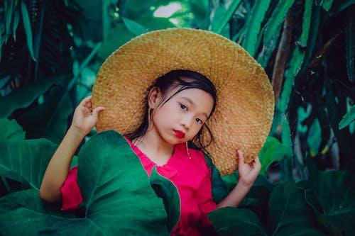 Immagine gratuita di bambino, cappello di paglia, carino