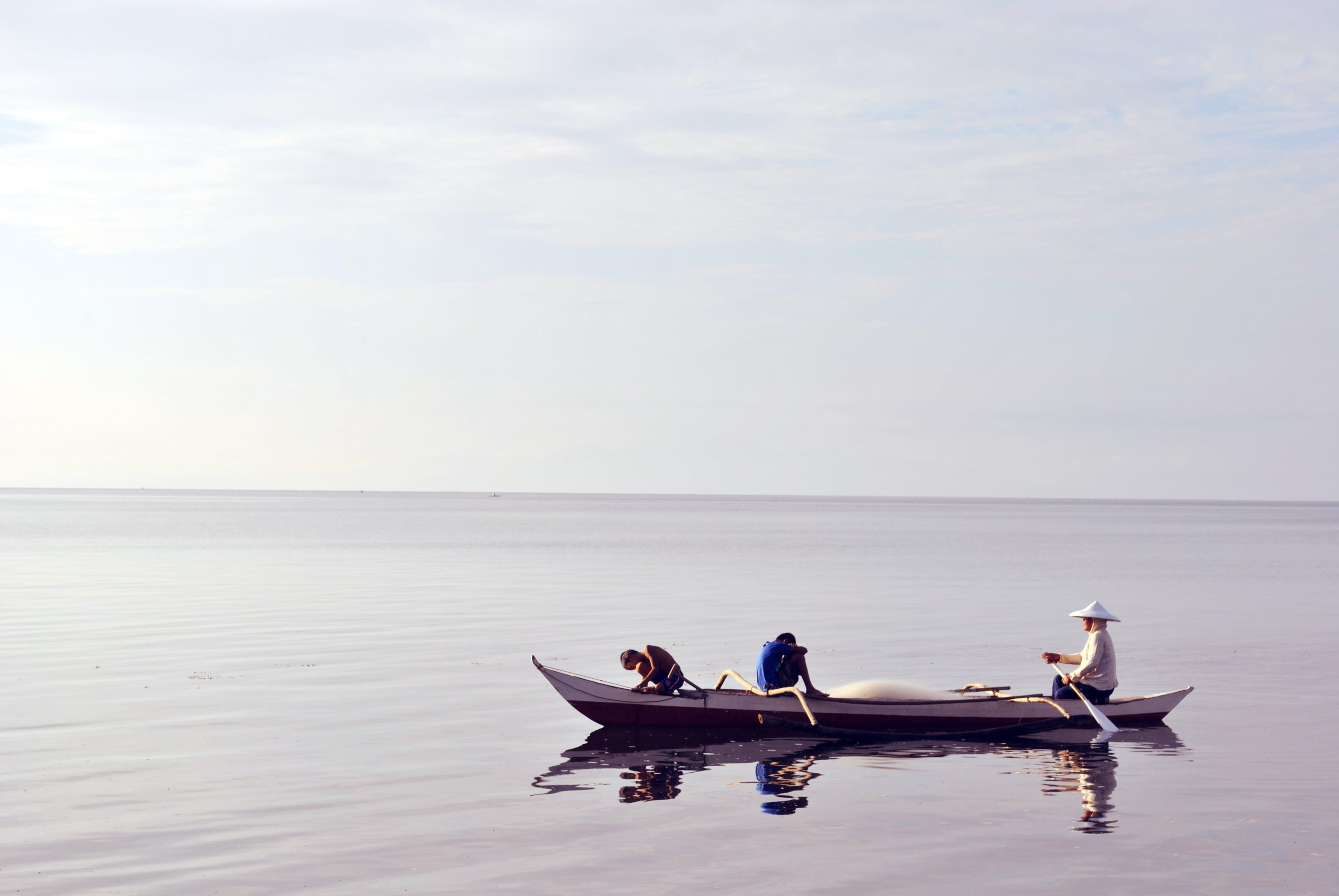 Foto profissional grátis de barco, barco a remo, caiaque, canoa