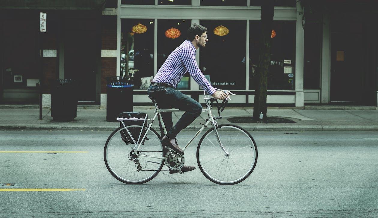 commuting, cycling, driving