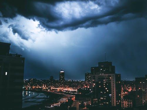 Free stock photo of con tormenta, edificios, luces