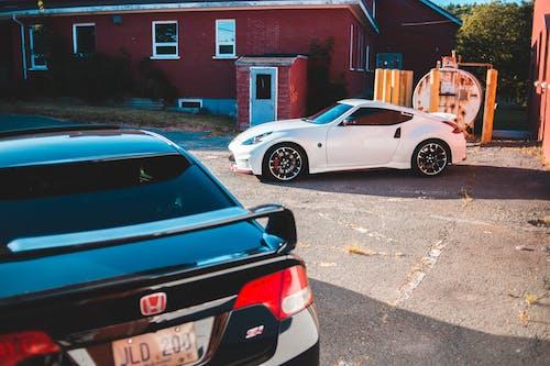 Darmowe zdjęcie z galerii z architektura, asfalt, auto