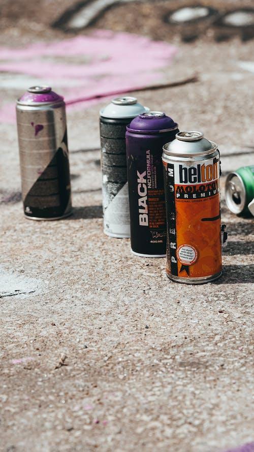 Kostenloses Stock Foto zu ausrüstung, beton, büchse, bürgersteig