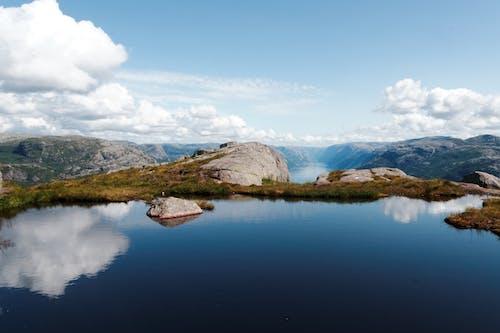 Foto d'estoc gratuïta de llac, muntanya, natura, núvols