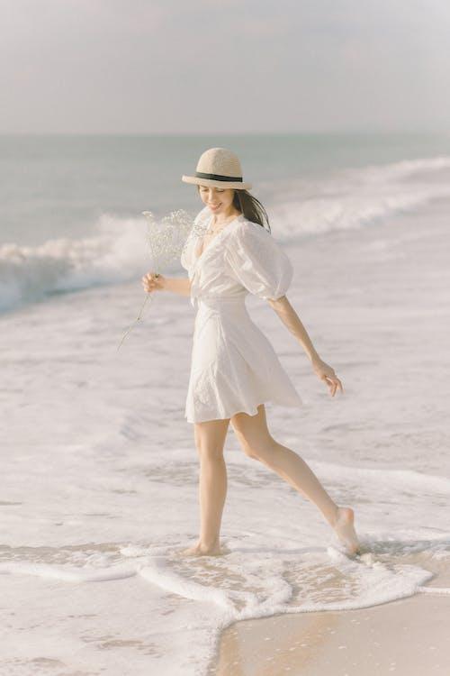 Ilmainen kuvapankkikuva tunnisteilla aurinkoinen päivä, boho, fedora-hattu