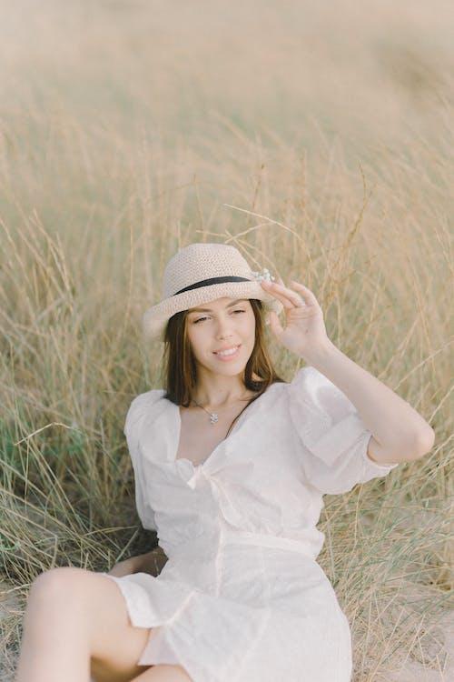 垂直, 女人, 年輕 的 免费素材图片