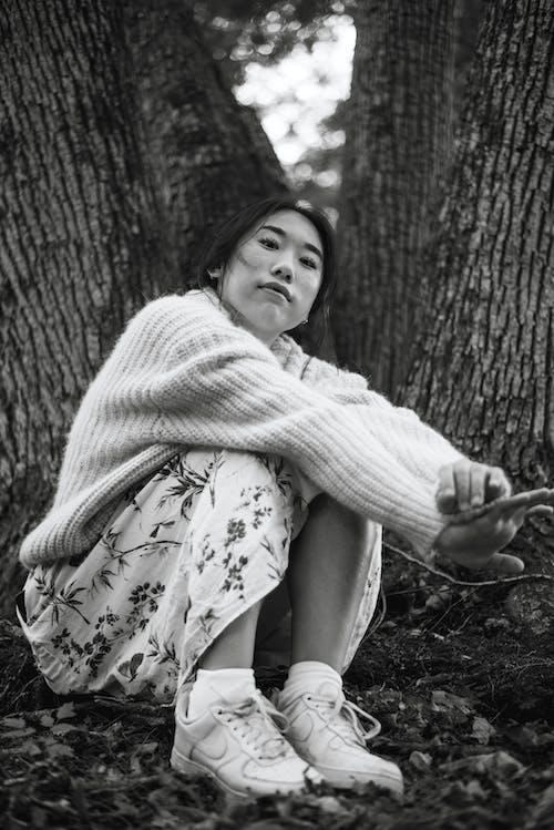 Безкоштовне стокове фото на тему «вираз обличчя, дерево, дитина, Дівчина»