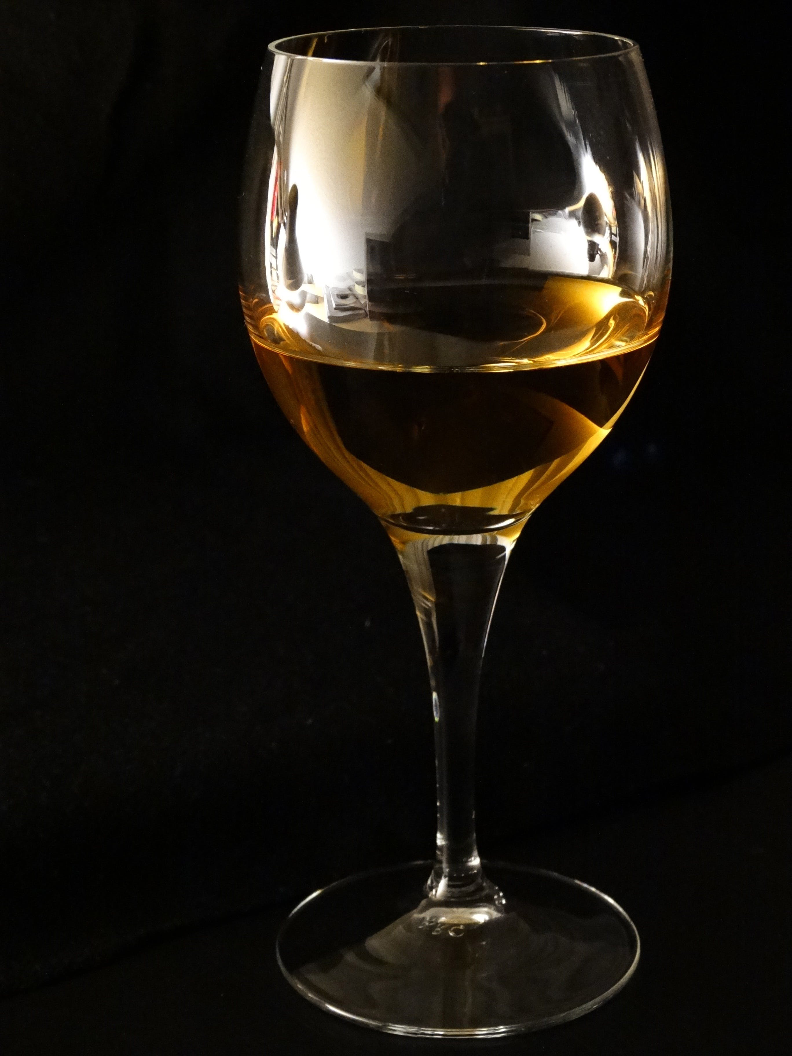 Clear Long Steam Wine Glass