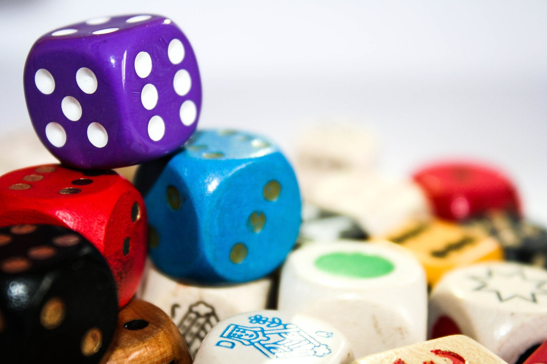 different color of dice