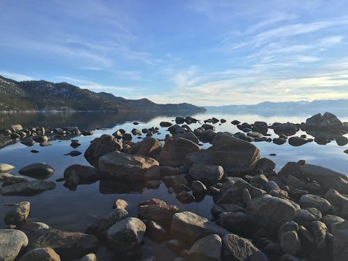 Foto d'estoc gratuïta de aigua, natura, pedres, roques