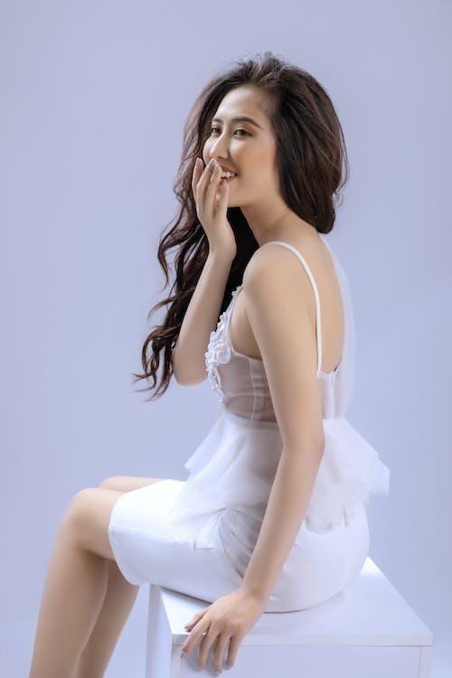 Kostnadsfri bild av 20-25 år gammal kvinna, asiatisk tjej, avslappning, elegant