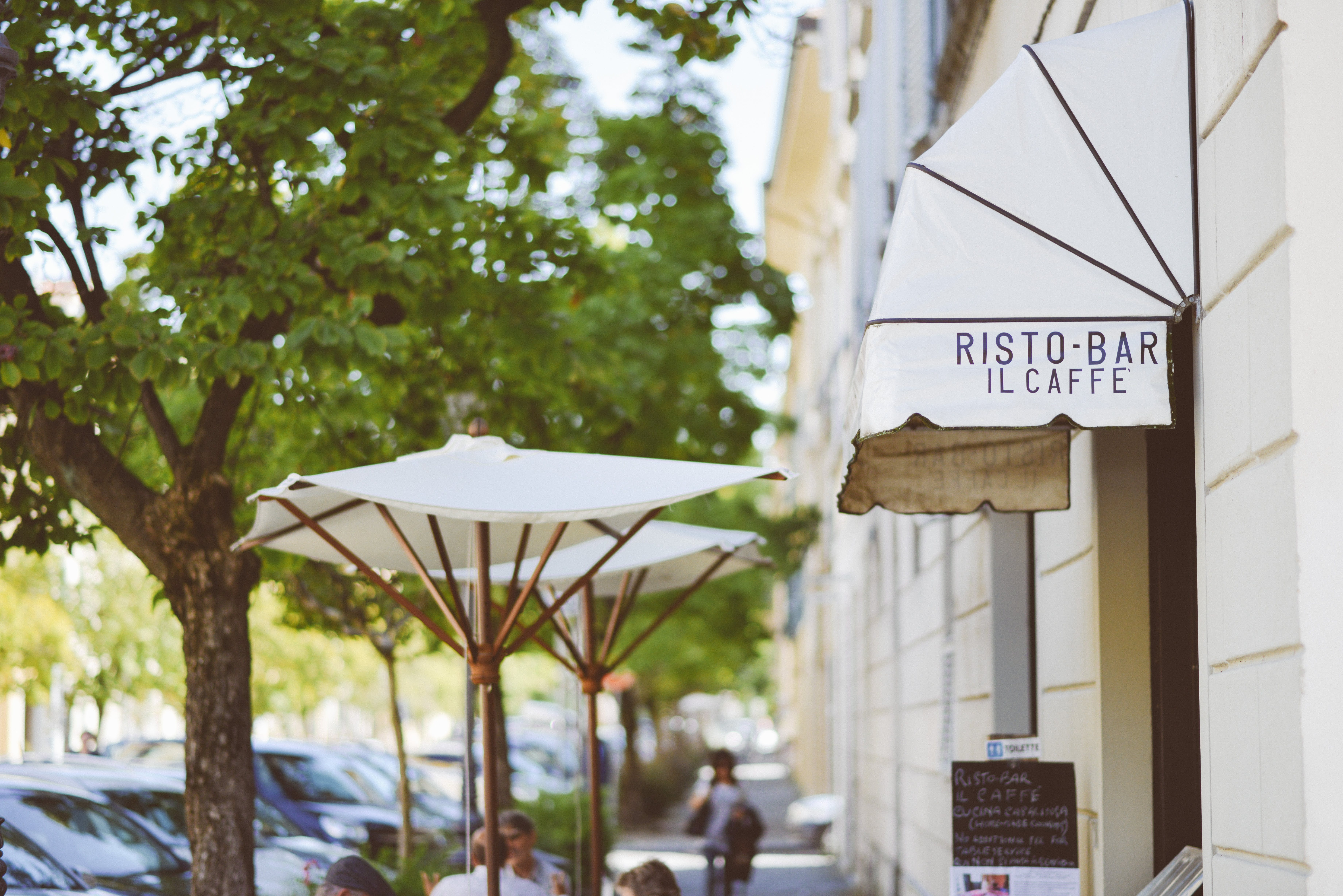 White Ristro Bar Il Caffe Building