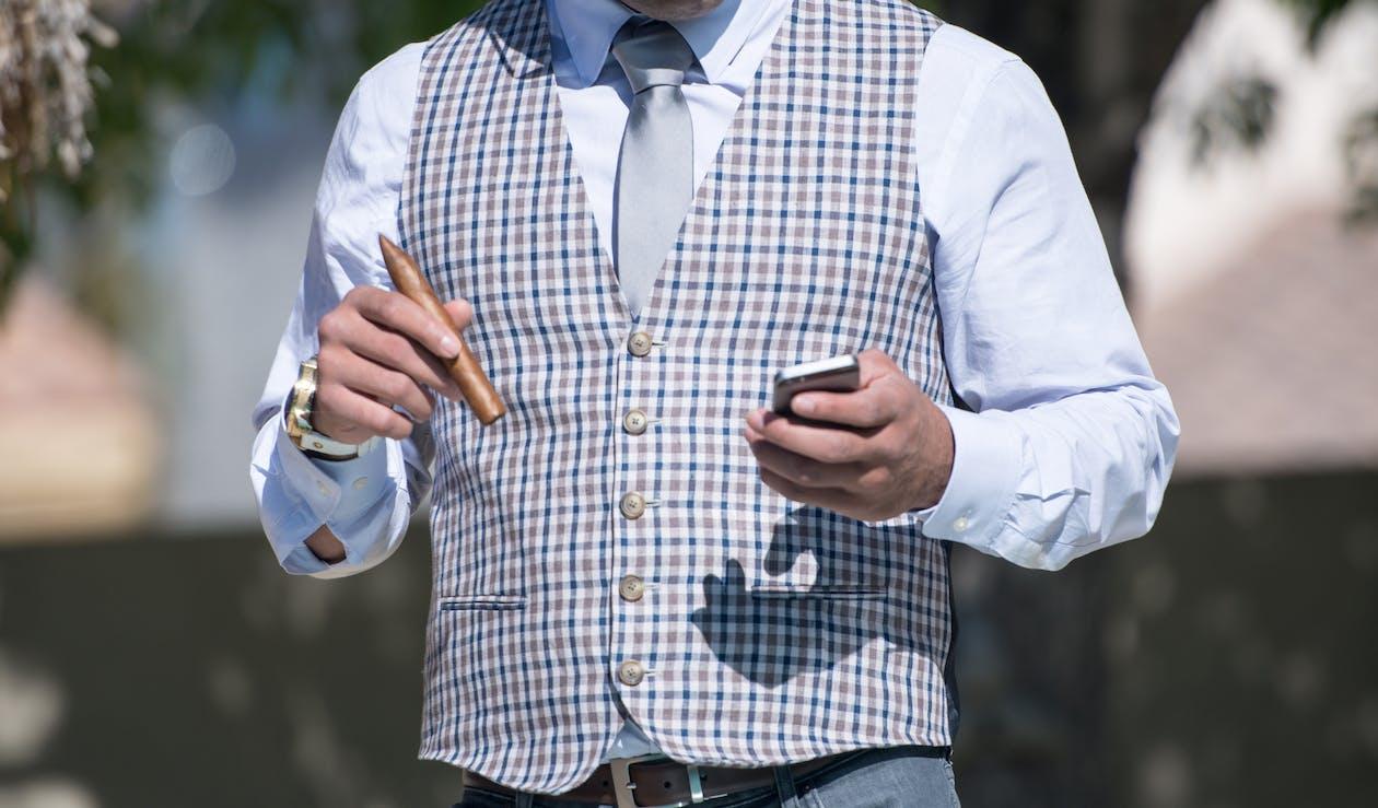 apple, costum, cravată