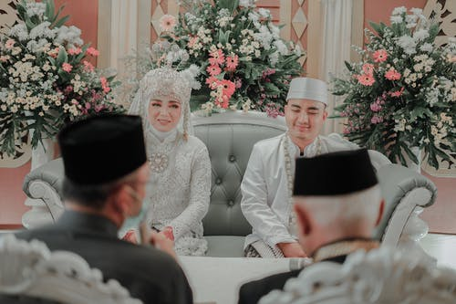 Kostenloses Stock Foto zu braut, braut und bräutigam, bräutigam