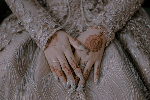 Gratis lagerfoto af blonder, brud, hænder