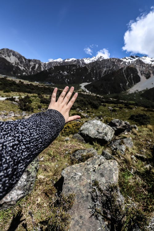 Free stock photo of hand, mountain, nature