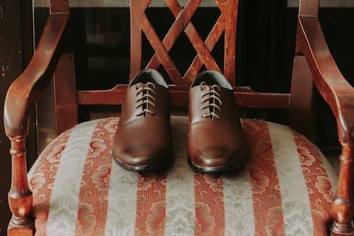 Fotos de stock gratuitas de calzado, cuero, mobiliario