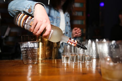 Fotos de stock gratuitas de bar, barman, barra