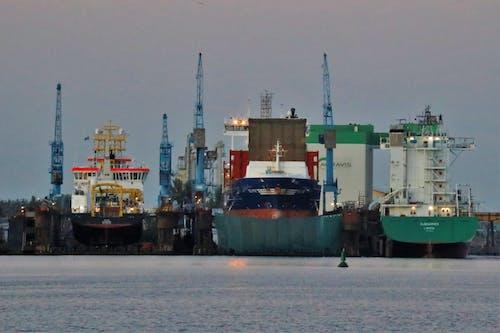 Free stock photo of frachtschiffe, Hafen, Kran