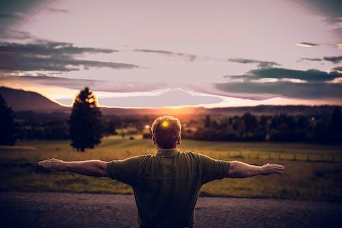 Gratis stockfoto met achtergrondlicht, actie, avond, berg