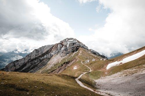 Fotobanka sbezplatnými fotkami na tému Alpy, exteriéry, hora