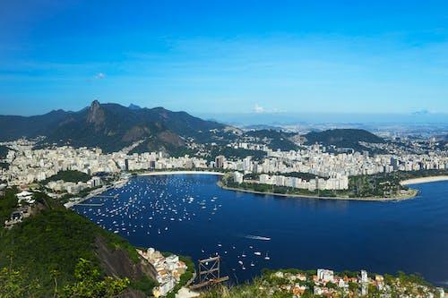 Бесплатное стоковое фото с вид сверху, городской пейзаж, залив