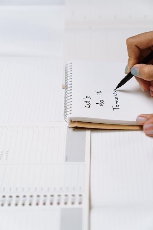 Kostenloses Stock Foto zu arbeit, attrappe, aufgabenliste, ausbildung